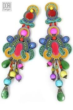 Boucles d'oreilles légères comme des plumes par Dori Csengeri