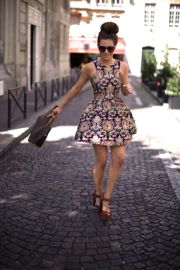 Quelles chaussures mettre avec une robe courte