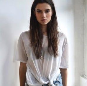 Comment porter le t-shirt blanc?