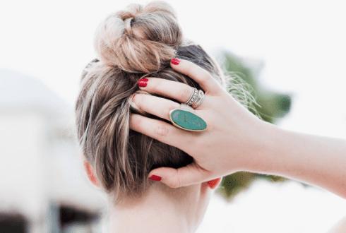 5 façons de faire un beau chignon , Bien habillée