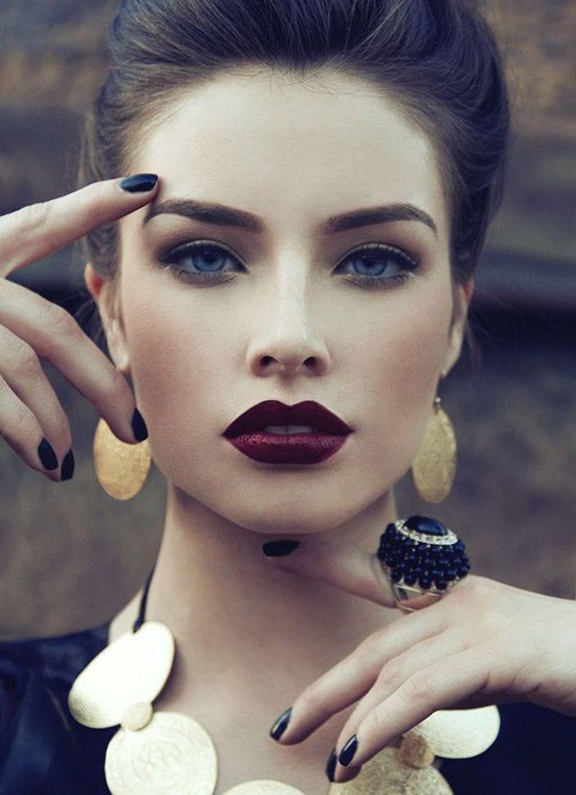 Quel maquillage avec robe bleu turquoise