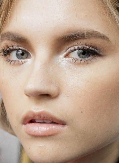 Assez Comment agrandir ses yeux grâce à 6 astuces maquillage - Bien habillée JX54