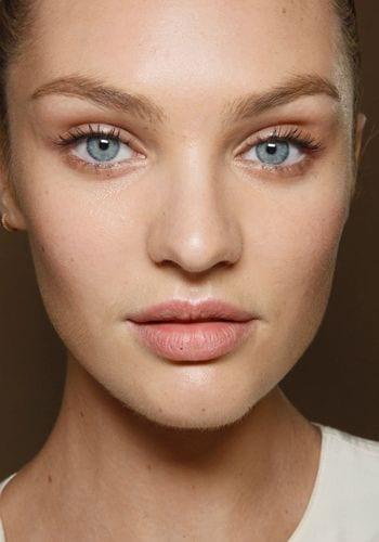 comment agrandir ses yeux gr ce 6 astuces maquillage bien habill e. Black Bedroom Furniture Sets. Home Design Ideas
