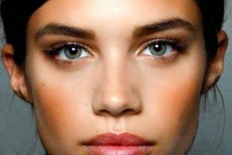 Comment agrandir ses yeux grâce à 6 astuces maquillage