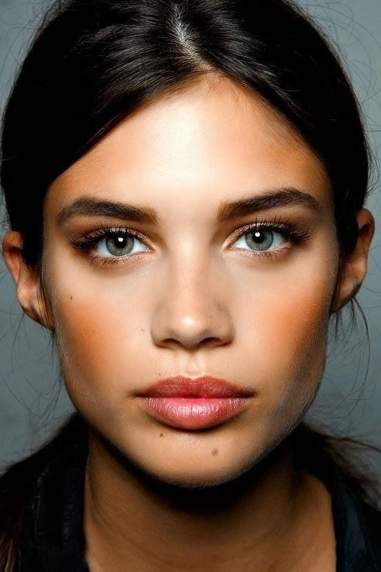 Comment agrandir ses yeux gr ce 6 astuces maquillage for Perfect comment for a picture