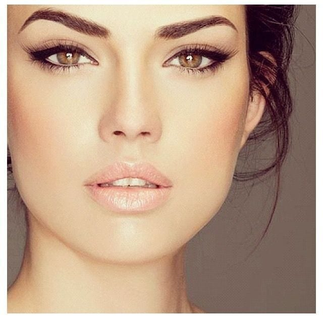 Connu Comment agrandir ses yeux grâce à 6 astuces maquillage - Bien habillée FD35