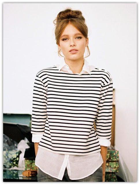 3 fa ons de bien porter la marini re bien habill e - Comment porter la chemise en jean femme ...