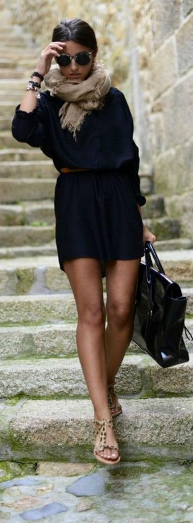Robe noire ceinturée à la taille - Bien Habillée