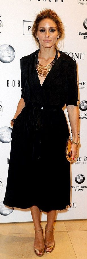 dea17488ba62f 5 règles afin de bien porter la robe noire - Bien habillée