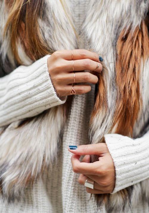 bijoux fins et manteau