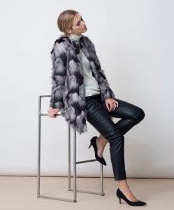 manteau-fausse-fourrure-gris