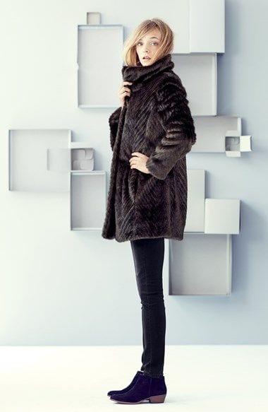 jean et manteau fourrure