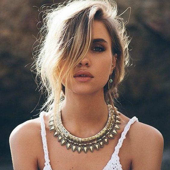 comment associer son vêtement à ses bijoux