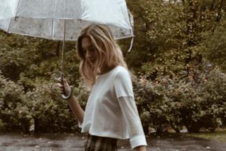Comment s'habiller quand il pleut en été ?