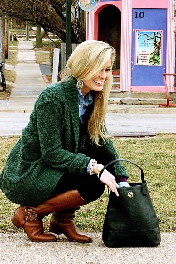 En effet, le vert bouteille peut s intégrer dans une garde-robe rock  (perfecto, bottines), campagne chic (cardigan, slim velours) ou encore  citadine (blazer ... 05c6c4db790a