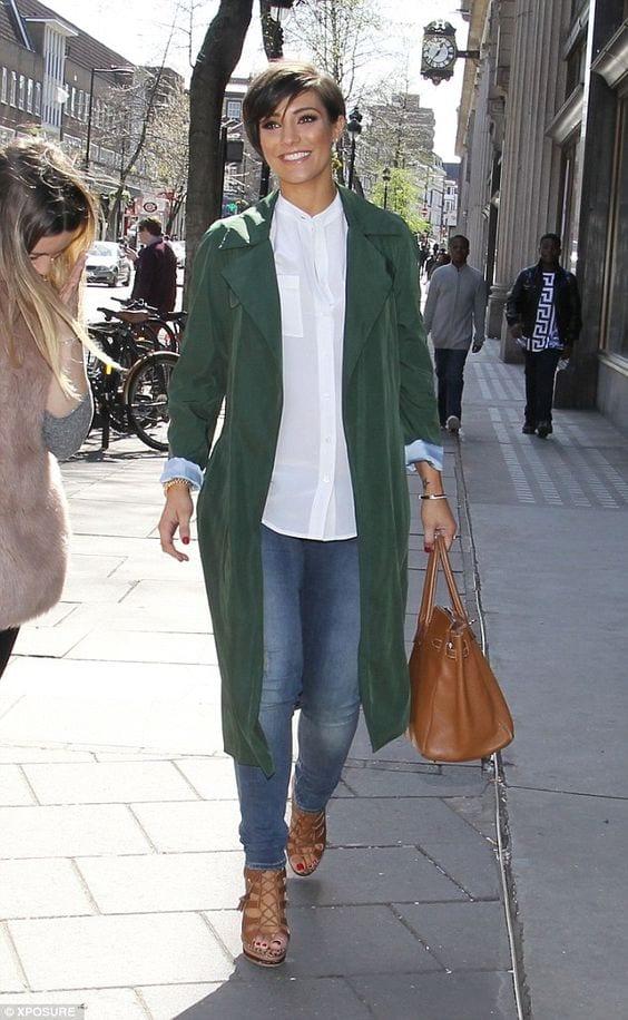 Comment porter le vert bouteille bien habill e - Que porter avec un pantalon bleu marine ...