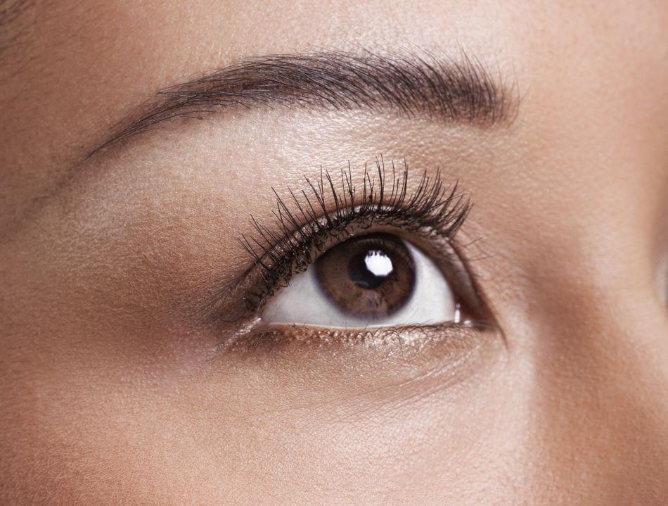 maquillage de jour yeux marrons bien habill e. Black Bedroom Furniture Sets. Home Design Ideas