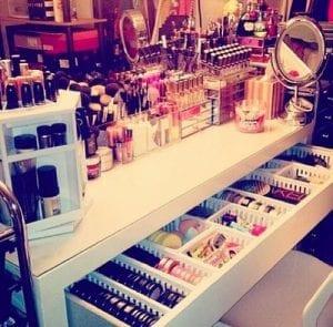 rangement de maquillage