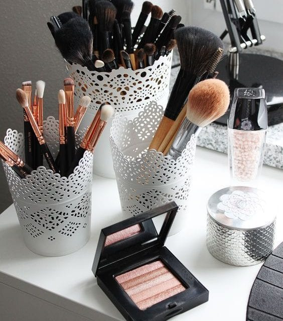 Ranger son maquillage : 4 astuces pour s'organiser !
