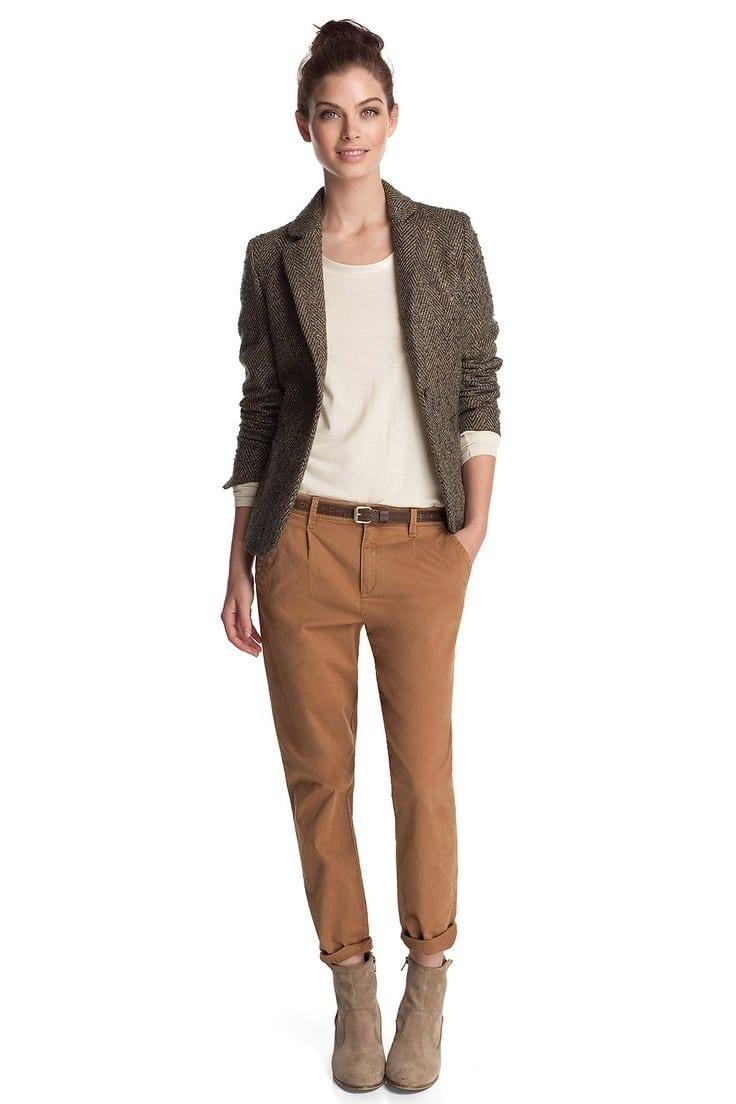 dernier style photos officielles style roman Nos astuces pour porter un pantalon chino lorsque l'on est ...