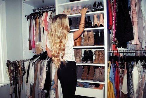 Pourquoi la surconsommation de vêtements nuit à votre style ?